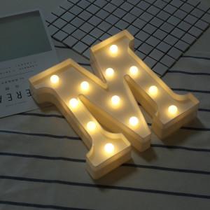Lumière anglaise décorative de forme de lettre de l'alphabet M, lumière sèche chaude de vacances accrochante debout blanche de batterie sèche de LED SH216M1877-20