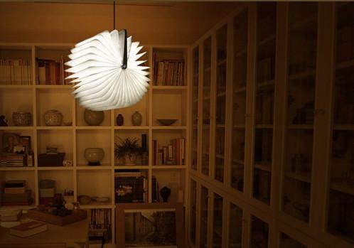 Livre pliant lumineux Lampe 200 lumens / 2500mAh / 4 heures d'autonomie / Eco-responsable CC2490-01